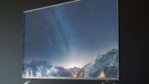 Read more about the article Motorola Revou-Q 55/50 inch QLED Ultra-HD(4K) LED display launched at starting Price Of Rs.49,999